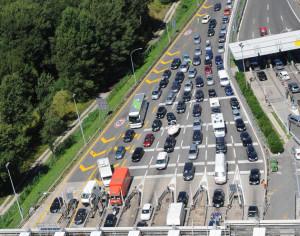 autostrada_esodo-estate_coda-entrata-Lisert_autovie-venete_b