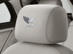 bentley-svela-la-birkin-mulsanne-in-edizione-limitata-ghost_white_front_headrest