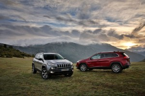 140203_J_Cherokee_Trailhawk_e_Limited_01