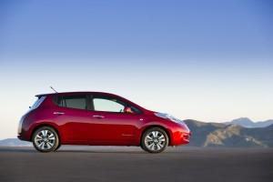 nissan-leaf-si-conferma-il-veicolo-100-elettrico-bestseller-in-europa-raggiungendo-il-record-di-vendite-nel-2013-103104_1_5