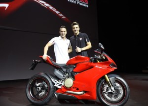 14-Ducati_2015_World_Premiere_Domenicali_08