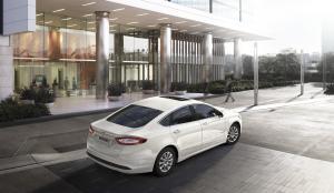 FordMondeo-Hybrid_04