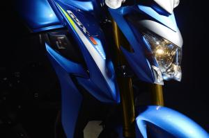 GSX-S1000A_2015_12