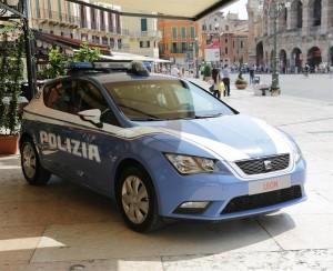 media-SEAT Leon_Cerimonia di consegna ufficiale delle vetture alle Forze dell'Ordine a  Verona (1)