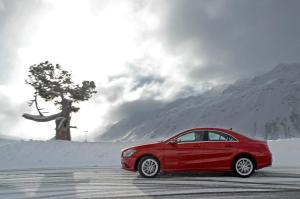 Mercedes-Benz_Winter_4MATIC_(46)