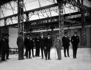 Milano , stabilimento Società Anonima Italiana Automobili Citroën (SAIAC) tra il 1924 e il 1940 , visita di André Citroën allo stabilimento