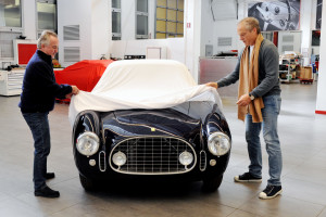 160183-car-Ferrari-225E
