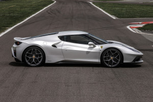160376-car-458_MM_Speciale_side