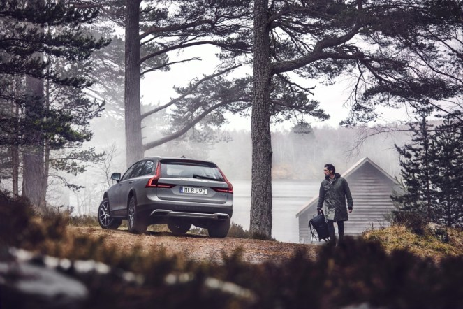 New Volvo V90 Cross Country Driving