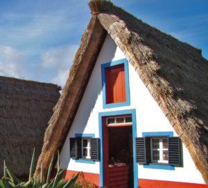 casas_de_santana-_portugal_madeira