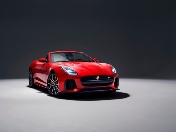 JAGUAR_F-TYPE_18MY_SVRConvertible_Studio_Exterior