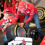 Visita de Kimi Raikkonen a Ferrari Land 4