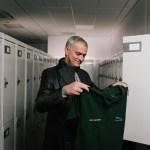 J_F-PACE_Mourinho_Surprise_Visit_161117_0072_01