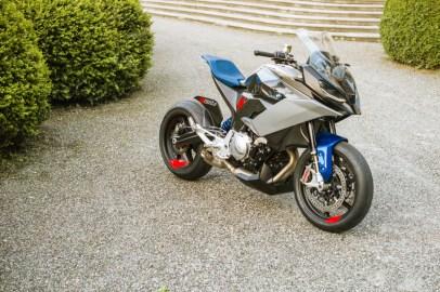P90305941_highRes_bmw-motorrad-concept
