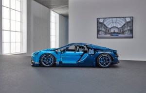 42083_LEGO_Technic_Bugatti Chiron_Side (1)