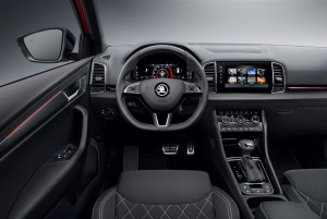 media-180802-ŠKODA-KAROQ-SPORTLINE_steeri ng_wheel
