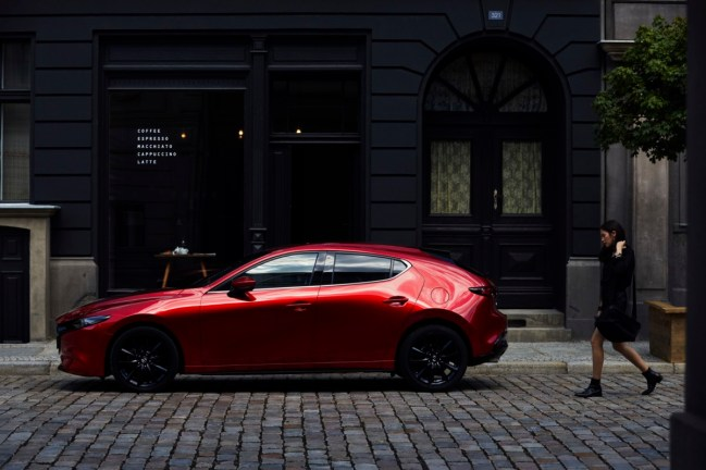 05_All-New-Mazda3_5HB_EXT