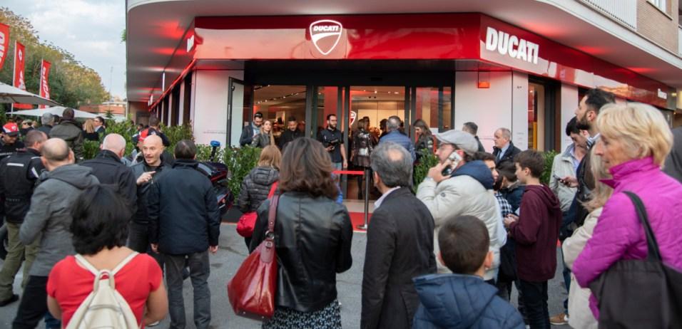 Ducati Roma_02_UC73550_High