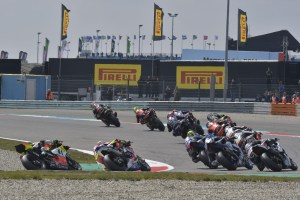 worldsbk-race-2-action