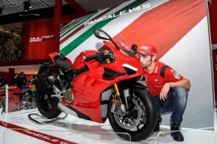 Ducati EICMA 2019 - Michele Pirro, Panigale V4 S