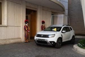 Dacia Duster al Papa