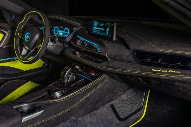 Alcantara e BMW i8 Roadster LimeLight Edition (4)