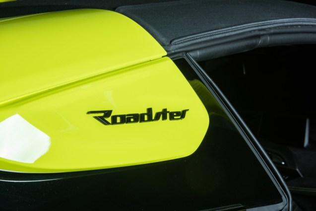 P90378328_highRes_bmw-i8-roadster-lime