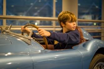 Museo Nicolis, auto con ragazzo, ph. Museo Nicolis