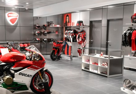 01_Ducati_Cares_Program_UC154236_High