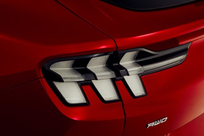 FORD_MUSTANG_MACH-E_DETAILS_23-LOW