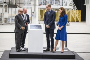 Small-12197-McLaren-Composites-Technology-Centre-Inauguration01–From-left-to-right-HRH-Prince-Salman-bin-Hamad-Al-Khalifa-CEO-Mike-Flewitt-TRH-The-Duke-and-Duchess-of-Cambridge—