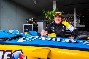 AUTO – FERNANDO ALONOS VISITS VIRY-CHATILLON