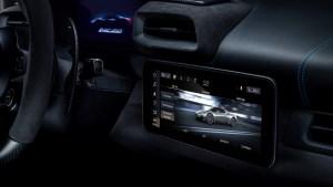Small-16813-MaseratiMC20-interior