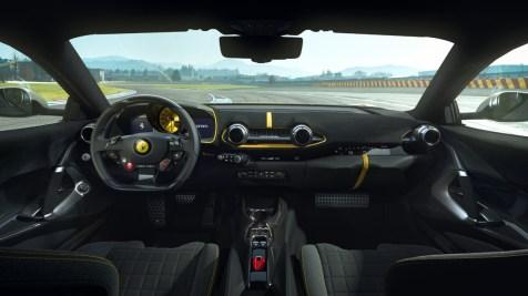 Ferrari_812_Competizione_3