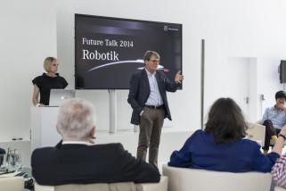 "© Mercedes-Benz / Mercedes-Benz Future Talk ""Robotik"" in Berlin"