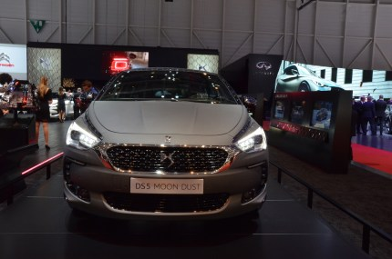 © MotorNews kw / 85. Auto-Salon Genf 2015 / DS 5 Hybrid 4x4 MOON DUST Showcar