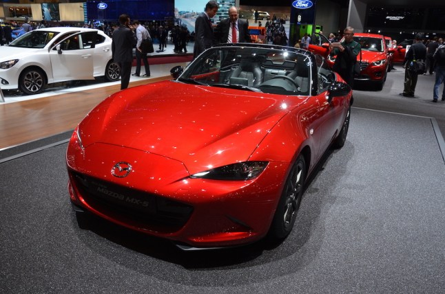 © MotorNews kw / 85. Auto-Salon Genf 2015 / Mazda MX-5