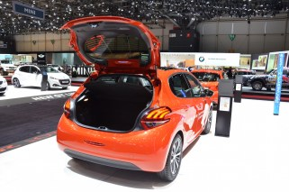 © MotorNews kw / 85. Auto-Salon Genf 2015 / Peugeot 208 / MJ2015