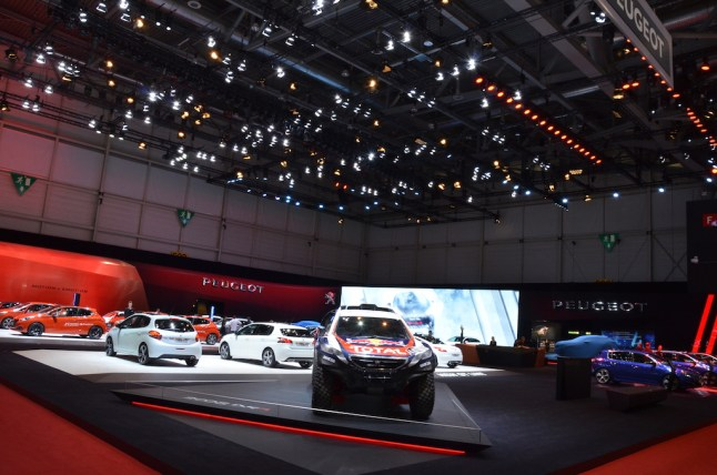 © MotorNews kw / 85. Auto-Salon Genf 2015 / Peugeot Messestand
