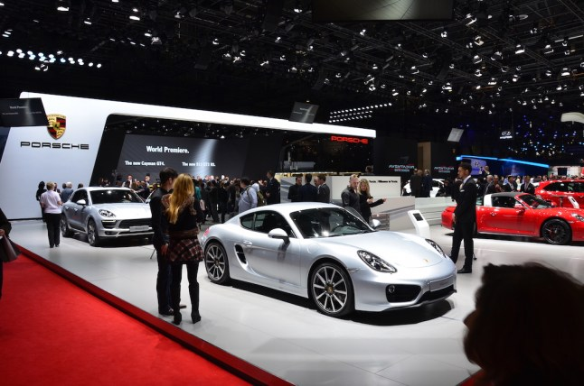 © MotorNews kw / 85. Auto-Salon Genf 2015 / Porsche Messestand