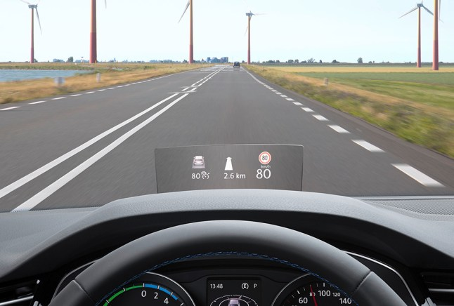 © Volkswagen / Innovatives Head-up-Display für den neuen Passat