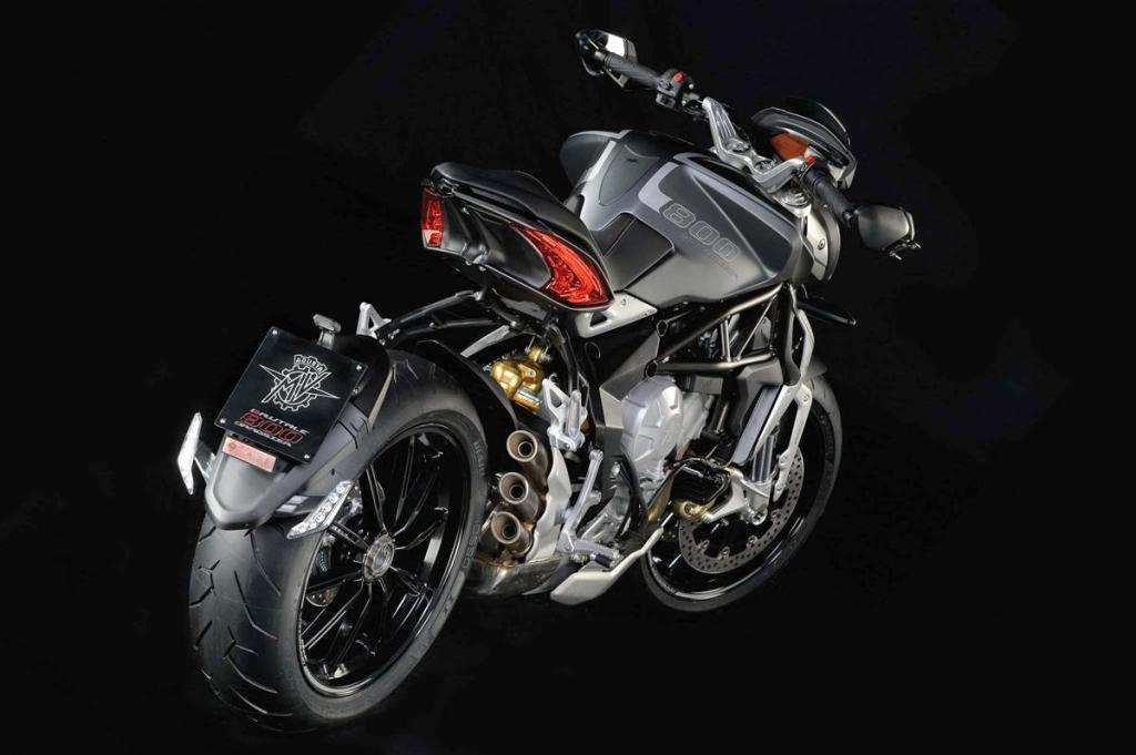 Officially unveiled: 2014 MV Agusta Brutale Dragster 800 | Motoroids