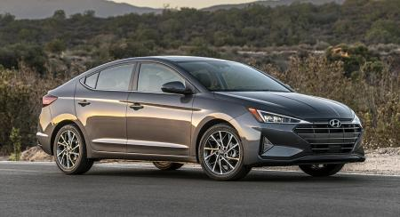 2019 Hyundai Elantra Facelift Revealed, Gets Angular New Look and More Features