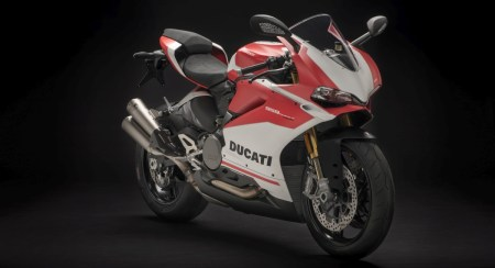 Pay INR 15,20,000 to Own the Sexy Italian Beast, the 959 Panigale Corse