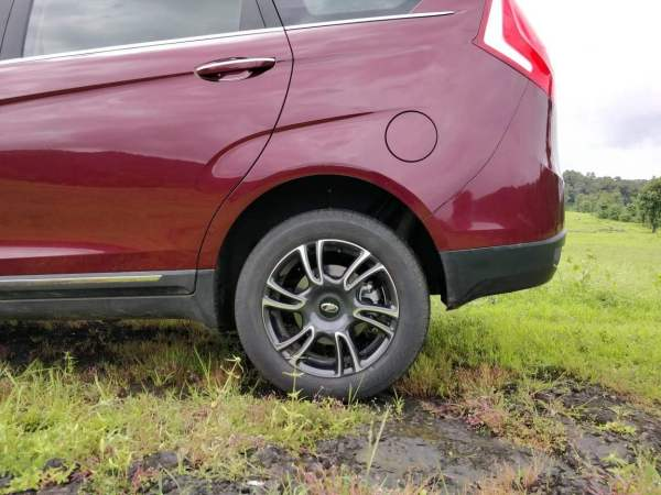 Mahindra Marazzo Launch wheel