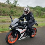 Ktm Rc 125 Abs First Ride Review Motoroids