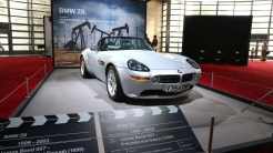 BMW Z8 - James Bond - The World is not engough
