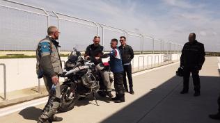 Despre pozitia pe motocicleta cu RideX & Rider Academy la BMW Motorrady Trackdays