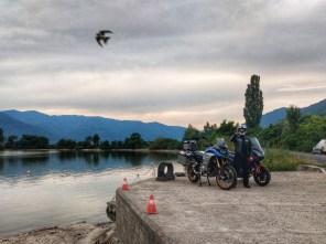 Pe malul Dunarii la Coronini