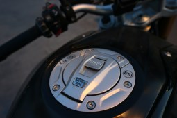 Keyless start & fuel tank cap